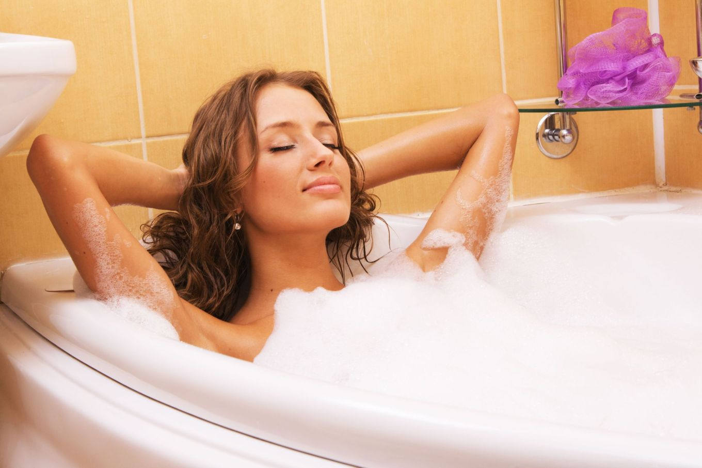 14-Warm-bath-6746456_l