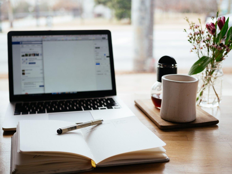 laptop-and-notebook-unsplash